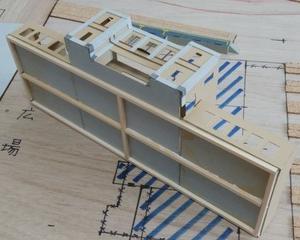 レトロ建築も工作用紙があれば簡単!