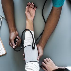 【謎の高血圧】40代以上の女性に多い高血圧の正体とは?