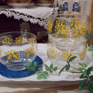 黄色い小花の麦茶グラス