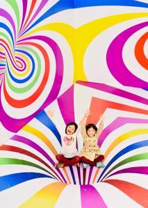 お菓子づくしのポップアップ・プレイグラウンド「Candytopia」