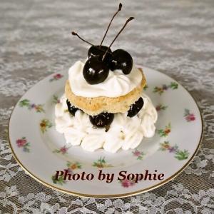 チェリーとホワイトチョコレートムースのショートケーキのレシピ