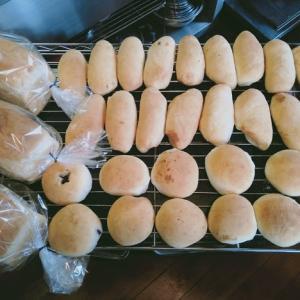 稲刈り終わって、雨だからパンでも焼こう!