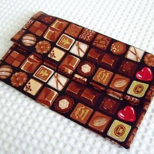 『おもしろい仕掛けの布小物』より手帳用にポーチを作成