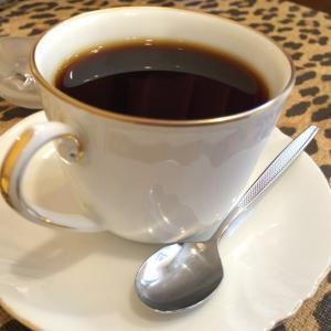 テレワークの休憩時間にコーヒー