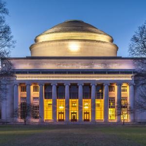 マサチューセッツ工科大学の大学院:TOEFL100点。