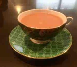 素敵カップでいただく朝の紅茶☕️✨