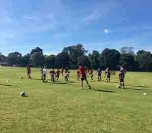 新規サッカークラブで、プリ・プリトレーニング開幕⚽️👦🏻💕 頑張ります👩🏻👊