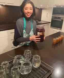 カラマタオリーブ2kg。ガラス瓶に小分けしておきました👩🏻🍳