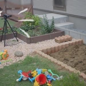 ●砂場で発掘!&100円ショップの水風船