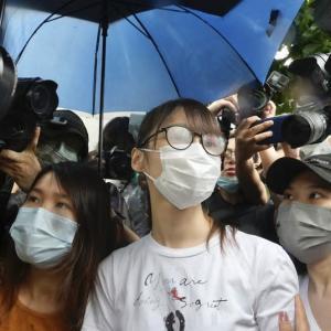 周庭氏が出所、香港の民主活動家無許可デモ巡る服役終了