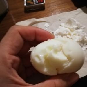 ゆで卵をきれいにむきたい