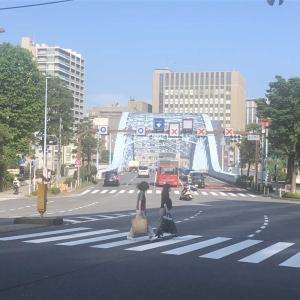 【街角スケッチ】永代橋西交差点からの風景(東京都中央区新川)