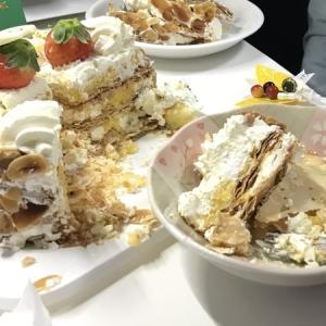 ファミマクリスマスケーキ「ミルフィーユ・シャンティ」がおいしかった。