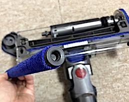 劇的ビフォーアフター・ダイソンV8ソフトクリーナーヘッドの回転ブラシの洗い方。後編。