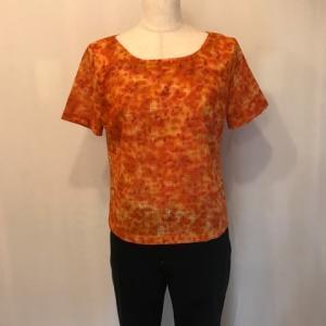 ティシャツスタイルのブラウス・・・午後からの一仕事
