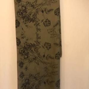足の痺れのその後と、スカーフの手作り