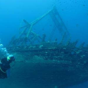 【衝撃】「うおっ!沈没船の中に生きた人間いた!」→え?これマジ?!