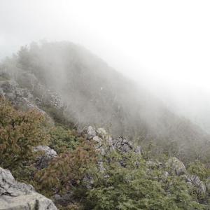 【恐怖】登山中に謎の集団を見たんだが…