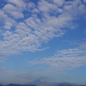 今日の空と富士山