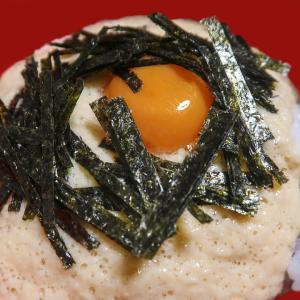 山の芋とろろご飯 ~海苔と卵黄で100人力~