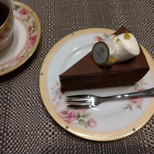 【出来事】ケーキの手土産&昨日届いた優待