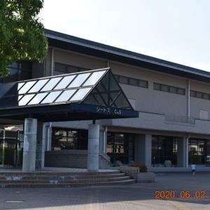 今日から待っていたスポーツセンターが全面開館、二か月ぶりのテニスとプールで体を動かすす。