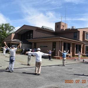 恒例の水曜joyfullwalkは、トンボ池コースを健脚組51人が歩く。