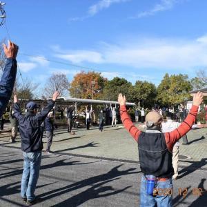 水曜joyfullwalkは、絶好のウォーキング日和の今日、旧長尾街道を約70人が歩いた。