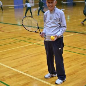 スポーツセンター・アリーナでテニス、後はプールでクールダウン。