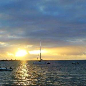 今日は「大暑」・「海の日」。懐かしい海の旅を想い出して・・・