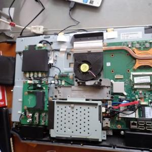 パソコンの解体
