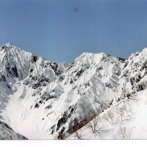 早春の後立山連峰