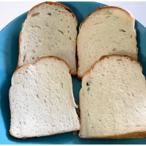 2週間以上経過した食パンが今日のランチ