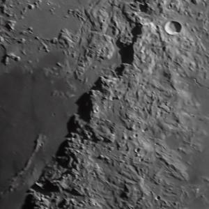 月面撮影:アペニン山脈付近
