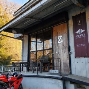 ゼブラコーヒー&クロワッサン【神奈川相模原発:工場をリノベーションした開放感のあるカフェとは?】