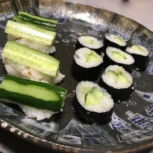 河童が好むカッパ巻とカッパ握り寿司&鉄火巻 menu 523