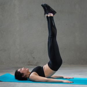 腹筋を短時間・高強度で鍛える