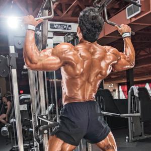 背中の筋トレメニュー・チンニング