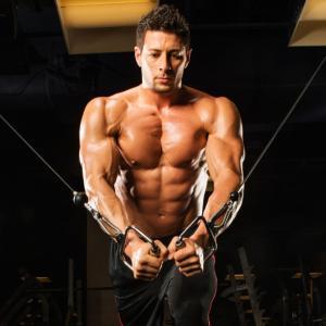 胸筋内側を鍛えるケーブルクロスオーバーのやり方