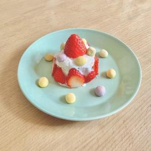 【1歳】パンとヨーグルトで誕生日ケーキを作る。