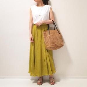 夏にぴったりなきれい色スカート