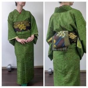緑の紬をアフリカンテイストでコーディネート