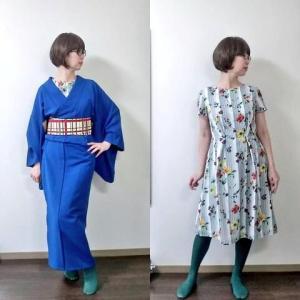 ワンピースの上に青い着物を着てお散歩へ