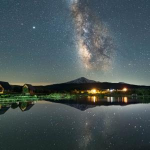 【星絶景】とある写真家が今年初めて秋田で撮影した天の川が最高の一枚に!!!
