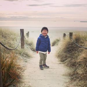 冬のビーチウォーク