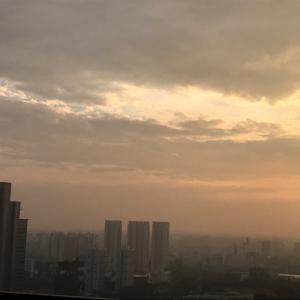 朝の空と、、、