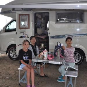 美少女3人とオートキャンプ