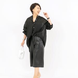 ★パンツスタイルなのに女っぽい! 透け肌見せ&ニュアンス袖でエレガントカジュアル
