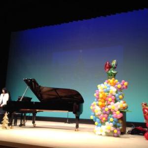 ピアノの発表会にお花のバルーンアートを飾りました