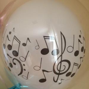 ピアノの発表会に音符♪のバルーンでお祝いしました